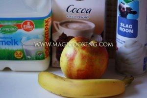 Бананово-яблочное смузи с какао