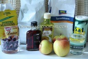 Галета с яблоками и ягодами