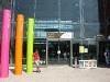 Вокзал Брюгге напротив этого входа бесплатная парковка