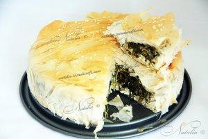 erbazzone или пирог со шпинатом и рикоттой
