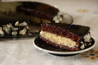 Торт шоколадно-кокосово с миндалем