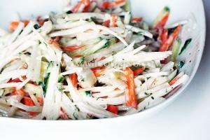Салат с капустой кольраби