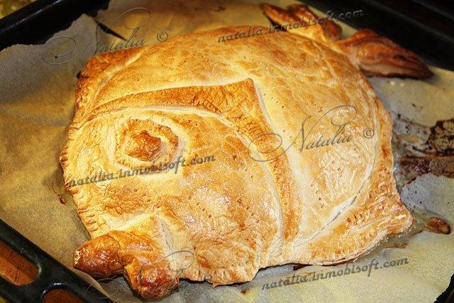 Рыбный пирог из дрожжевого слоеного теста рецепт пошаговый рецепт