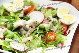 Салат с грибами и перепелиными яйцами