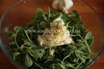 Салат с портулаком