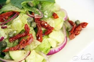 салат с вялеными помидорами