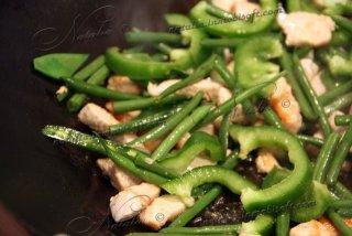Стир-фрай из индейки с зеленой фасолью
